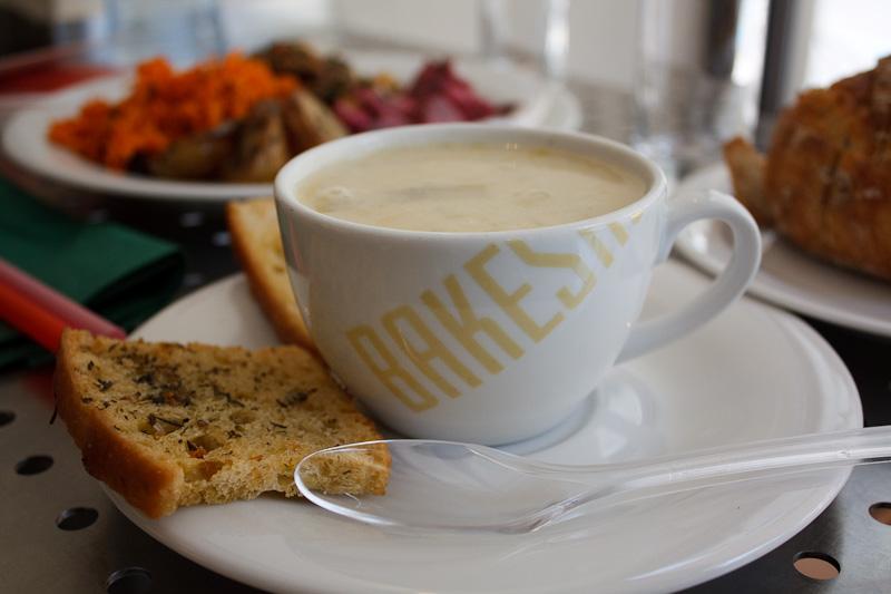 zuppa porri e patate - Bakershop Praha caffè