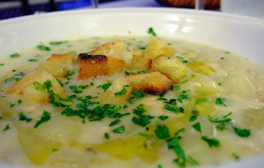 zuppetta tiepida di vongole e patate de La Scaletta