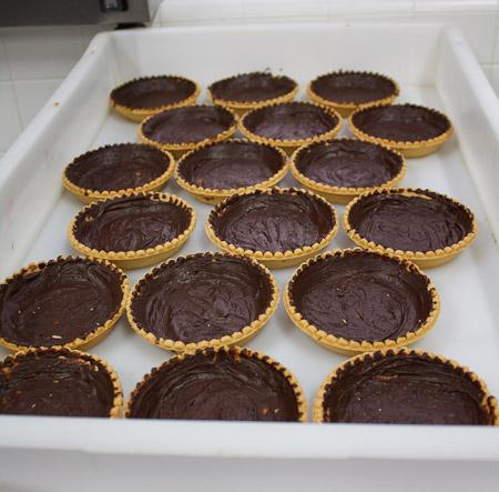 tartellette di farina di mandorle e burro di cacao
