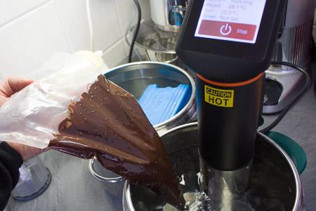 temperaggio del cioccolato sous vide