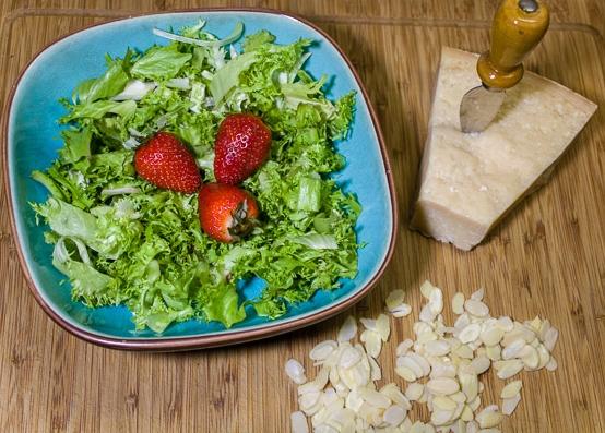 insalata di scarola e fragole